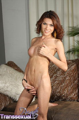 t benttz private transsexual 03 Asian Ladyboy Benttz And Her Big Cock On Private Transsexual!