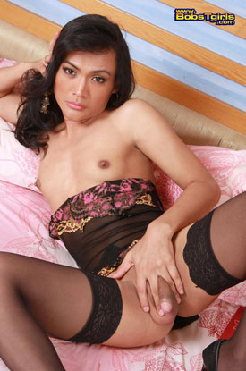 Asian Ladyboy Nuu on Bob's Tgirls!