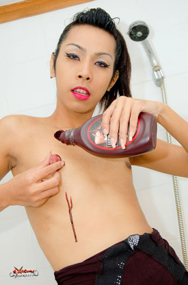 Asian Ladyboy Joanna on Extreme Ladyboys!