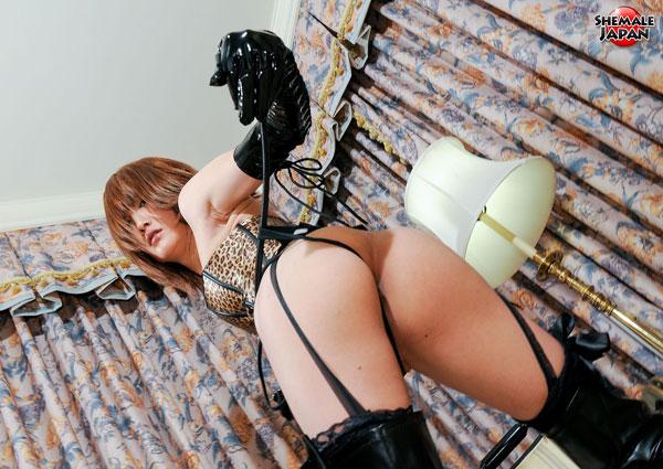 t kanon shemale japan 03 Asian Ladyboy Kanon Struts Her Stuff At Shemale Japan!
