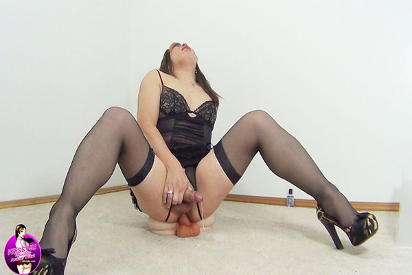 Krissy4u - Naughty Asian Tgirl - Mia Doll!