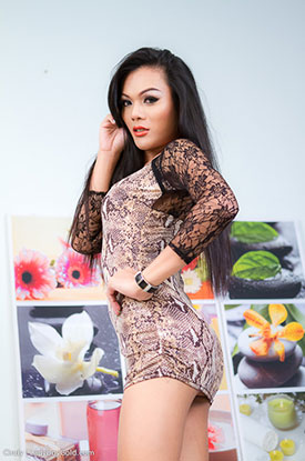 Asia Ladyboy Blog presents Ladyboy Cindy!
