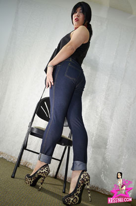 t krissy kyung asian ladyboy 01 Asian Ladyboy Krissy Kyung In Jeans And Heels On Her Site!