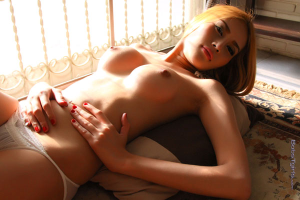 t honey asia ladyboy 03 Sweet And Sexy With Asian Ladyboy Honey On Bobs Tgirls!