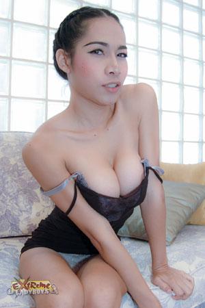 Asia Ladyboy Blog presents Ladyboy Ana!